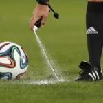 Cosa contengono le bombolette spray usate dagli arbitri ai Mondiali?